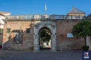 Palacio Andaluz, denominado Casa de Pilatos. Declarado como BIC.