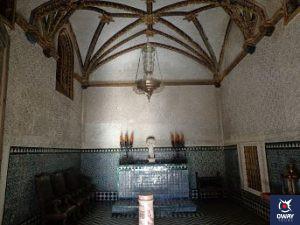 Capilla de la Flagelación, en la Casa de Pilatos en Sevilla. Formada por una columna de jaspe rosa en el centro y de estilo gótico.