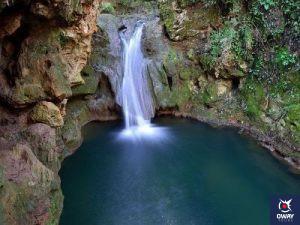 Imagen de los baños de una cascada