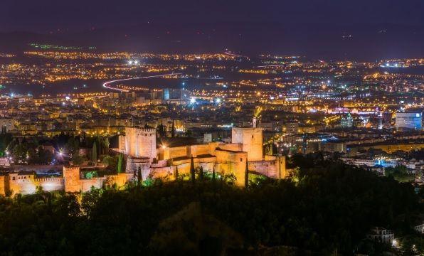Vistas de Granada por la noche