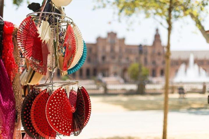 Souvenirs en la plaza de España, Sevilla