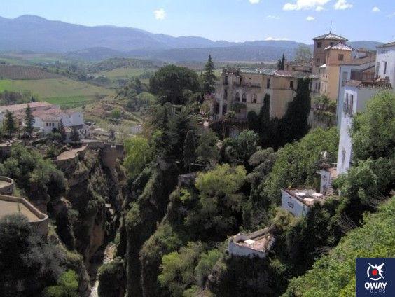 Cómo llegar al Palacio del Rey Moro y La Mina Secreta