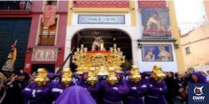 Procesión saliendo de Casa Hermandad Málaga