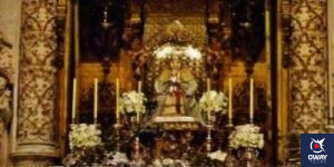 Virgin of the Kings on the altar of the Cathedral of Seville