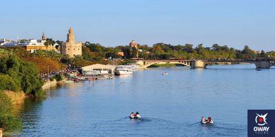 Río Guadalquivir a su paso por la ciudad de Sevilla
