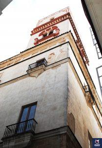 Exterior de la Torre Tavira, detalle de la torre