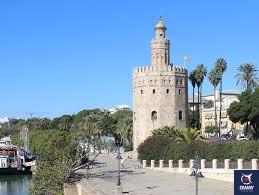 Vista de la Torre del Oro junto a la Orilla del Guadalquivir, Sevilla