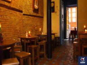 Interior de la Cafetería Tetería El Harén con ambiente árabe en Málaga