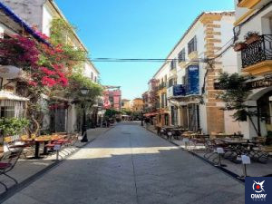 Springtime street to enjoy the magic of Marbella