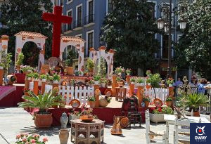 May Crosses, Granada