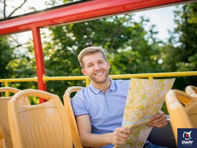 Profitez de la ville pendant que vous vous promenez à bord du bus touristique de Ronda