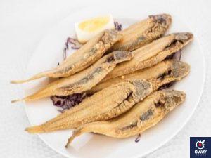 Famoso pescado frito de Cádiz con limón