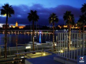 Famoso Muelle Uno de Málaga en la noche