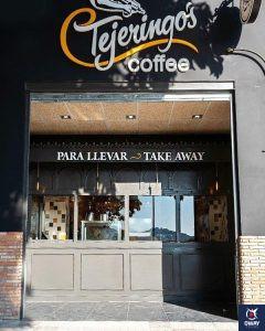 Entrada de Tejeringo's coffe shop in Malaga