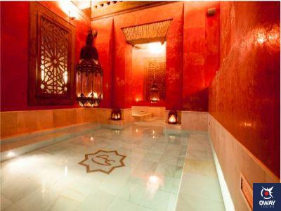 Interior de un baño árabe en Granada
