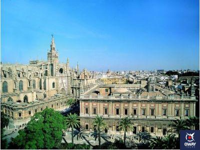 Vista aérea de la Catedral y el Archivo de Indias de Sevilla