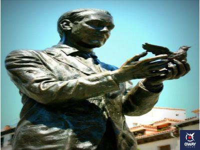 estatua de Lorca Granada