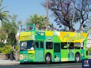 """Ligne de bus touristique """"Bus à travers Séville et Triana""""."""