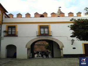 Arco de la entrada Patio de las Banderas Sevilla