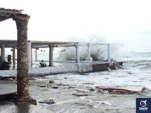 Vista al antiguo balneario y el mar en Málaga