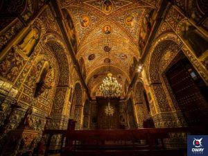 Maravillosa decoración interior de la parroquia de Santa María de la Asunción de Écija