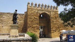 Puerta de Almodóvar, inicio del barrio de la Judería