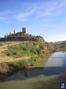 Ruta en bici por el Canal de Guadaira, visitando los bvarios puntos de vista desde el canal.