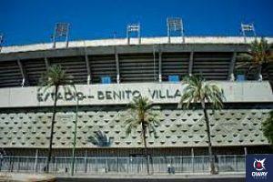 Ruta en bici, recorriendo los lugares mas conocidos de Sevilla, como el Estadio Benito Villamarin o el Puente de Triana.