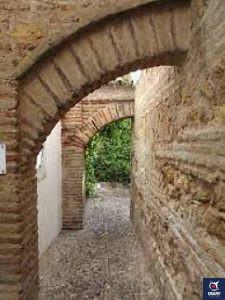 Calle Judíos, ubicada en el barrio de la Judería
