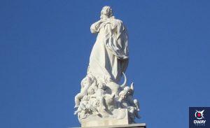monumento inmaculada concepcion plaza del triunfo sevilla