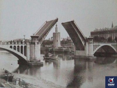 Début de la construction du pont de San Telmo à Séville