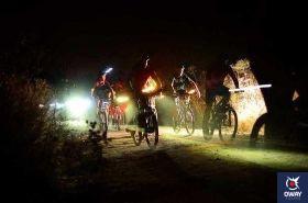 Una de las jornadas para disfrutar del cielo nocturno está enfocada para los apasionados a vivir experiencias nuevas y diferentes con su bici de montaña