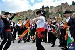 Le 28 décembre, on célèbre la fête des Verdiales, l'une des fêtes les plus populaires de l'année en raison de son folklore, de sa musique, de ses couleurs et de ses danses qui la rendent si particulière.
