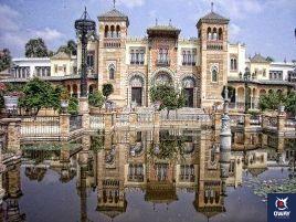 Musée des arts et coutumes populaires, est plein d'objets et d'instruments qui font un examen de la vie rurale et urbaine dans la province de Malaga.