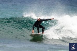 Cadiz offers one of the best places for surfing in Andalusia thanks to its privileged geographical location. In recent years, surfing has become a way of life and culture for many, making Cadiz one of the most popular destinations for these lovers of the sea and waves.